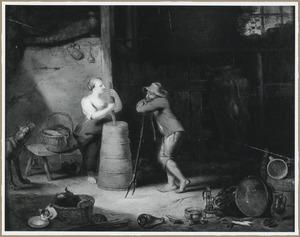 Stalinterieur met karnende boerin, pratend met een boer