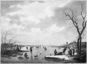 Winterlandschap met bedrijvigheid op een bevroren rivier