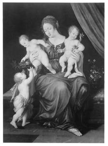 Maria met twee Christuskinderen en Johannes de Doper als kind