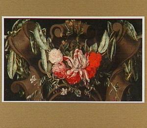 Bloemen op een gebeeldhouwde cartouche