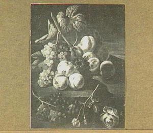 Stilleven met perziken, druiven en rozen
