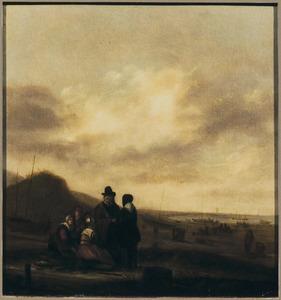 Strandgezicht met vissersvrouwen in gesprek met kopers bij een visafslag