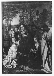 Heilige Familie met de HH. Catharina en Barbara en een musicerende engel