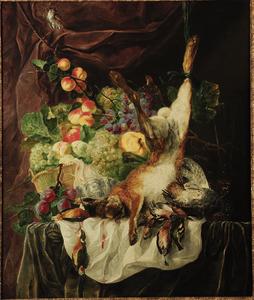 Stilleven van mand met vruchten, haas, patrijzen, en zangvogels op een tafel