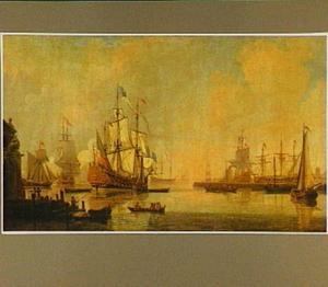 Haven met schepen bij zonsondergang