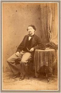 Portret van een man, mogelijk de schilder Louwrens Hanedoes