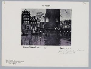 Gezicht op de voet van de Montelbaanstoren te Amsterdam