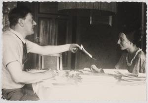 Herbert Fiedler en Amrey voor definitief vertrek naar Nederland, Berlijn 1934