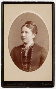 Portret van Nelly van Oort