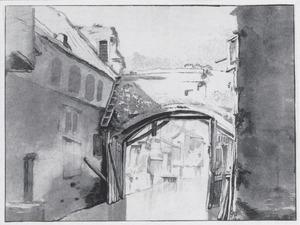 Gracht met brug in een Italiaanse stad