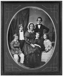 Portret van Rogerine Jeanette Catharine van der Sleyden (1807-1867) en haar kinderen