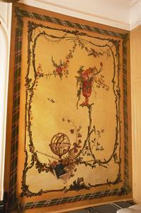 Rocaille-ornamenten met bloemen- en vruchtenstillevens en armillarium