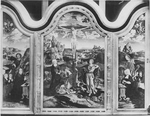 Stichter met zijn zonen en de H. Marcus (links), de kruisiging (midden), stichtster met haar dochters en de H. Margaretha (rechts)