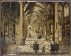 Gezicht in een katholieke kerk met wandelaars