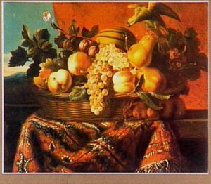 Stilleven van vruchten in een mand met een eekhoorn en een papegaai