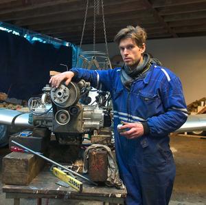 Portret van Joost Conijn in zijn werkplaats