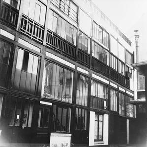 Binnenplaats van het ateliercomplex 278 Boulevard Raspail, waar Piet Mondriaan werkte tussen maart 1936 en september 1938