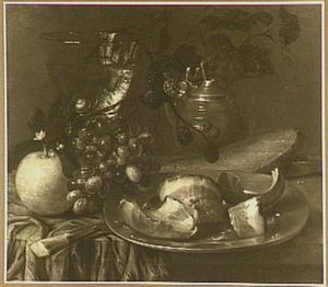 Stilleven met roemer, druiven, bramen, mosterdpot en vlees