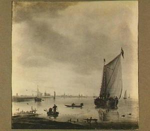 Riviergezicht met vissers en zeilschepen