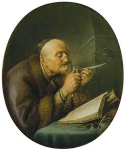 Een oude man die zijn pen scherpt
