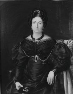 Portret van Maria Catharina Petronella  Langlois (1787-1873), in haar rechterhand een portretminiatuur van haar echtgenoot, Franciscus Bartholomeus Hollingerus Pijpers