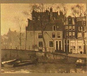 Kromme Waal met het St. Anthoniushuis te Amsterdam