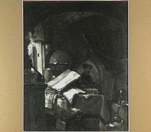 Stilleven van boeken, een globe en andere voorwerpen met op de achtergrond een alchemist