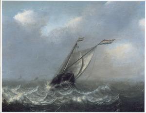 Smalschip op een woelige zee