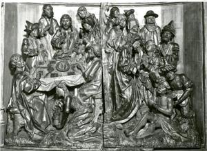 Maaltijd bij Simon de farizeeër (links); De opstanding van Lazarus (rechts)
