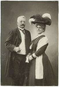 Portret van Ferdinand Folef baron d' Aulnis de Bourouill 1850-1925) en Susanna Christina Hidding (1859-1936)