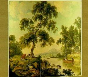 Italianiserend landschap met vee met een weids berglandschap aan een meer in de verte