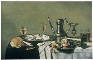 Stilleven met oesters, drinkgerei en metaalgoed