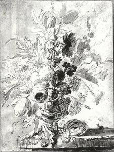 Bloemstilleven in een vaas en een vogelnest op een stenen plint