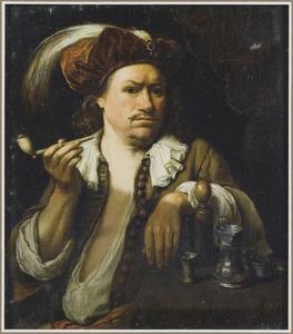 Rokende man met een rode baret