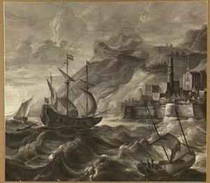 Hollandse koopvaarder en visserschepen op woelig water voor een vestingstadje op een rotskust