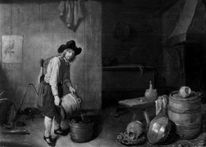 Interieur met jonge man die melk in een kuip overgiet
