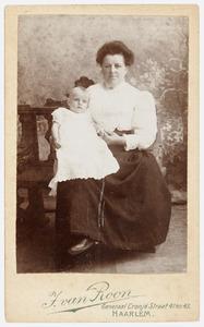 Portret van Lamoraal Albertus Aemelius Rutgers van der Loeff (1908-1929) en een vrouw