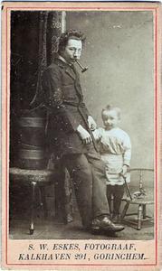 Portret van Stephanus Wilhelmus Eskes (1869-1921) en Adriaan Stephaan Dirk Eskes (1899-...)
