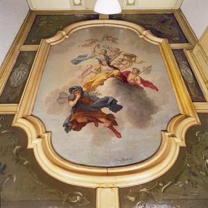 Plafondschildering met in het middenstuk de vier jaargetijden