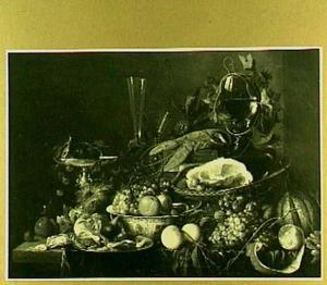 Pronkstilleven met ham, kreeft en vruchten