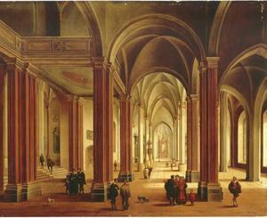 Interieur van een gotische kathedraal met elegante figuren