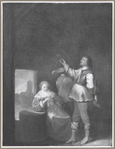 Een soldaat die zijn lege glas beziet, met een rokende vrouw in een interieur