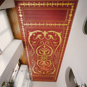 Plafond beschilderd met gouden ranken