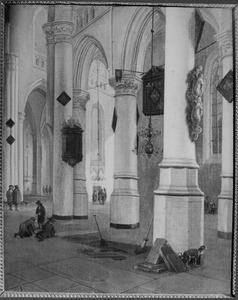 Interieur van de Nieuwe Kerk te Delft met grafdelvers rustend naast een open graf