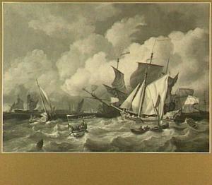 Scheepvaart op het IJ voor Amsterdam; op de achtergrond het silhouet van Amsterdam