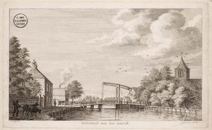 Gezicht op Ouderkerk aan de Amstel vanaf de weg langs het riviertje de Bullewijk
