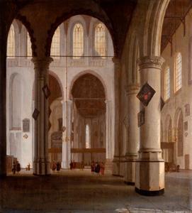 Interieur van de Oude Kerk in Delft vanaf de noordvleugel naar het oosten