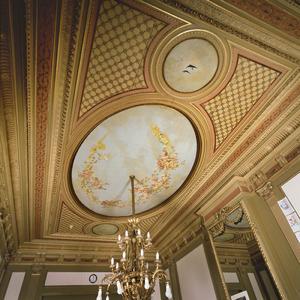 Plafondschildering met putti en vogels
