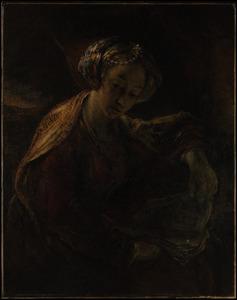 Vrouw in fantasiekleding met een boek