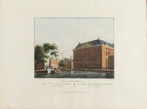 Gezicht op het Maagdenhuis op het Spui te Amsterdam